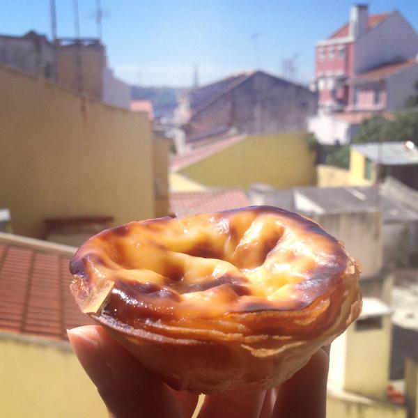 Huuummm, Pastel de Belém com Lisboa ao fundo