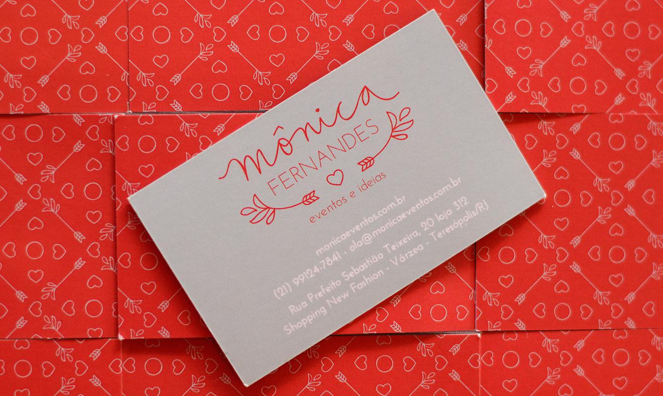 """<a href=""""http://carinhas.com.br/portfolio/monica-fernandes/"""" target=""""_blank"""">A empresa Mônica Fernandes redesenhou sua marca para um novo momento, clique e veja o projeto completo. Foto: Carol Lá Lach</a>"""