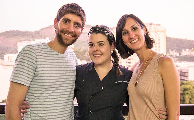 Raphael, Nanda e Melina, depois de um dia de muito bate papo e gravação: felizes da vida! | Foto: Carol Lá Lach